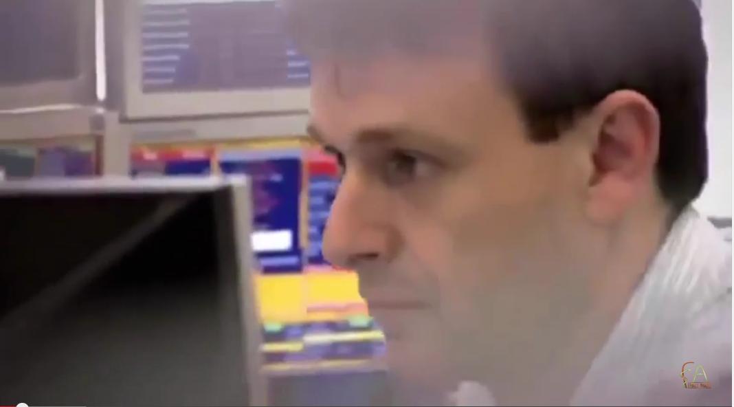 فيلم مدبلج :رجل أعمال يدفع مليون دولار من أجل تكوين متداولين