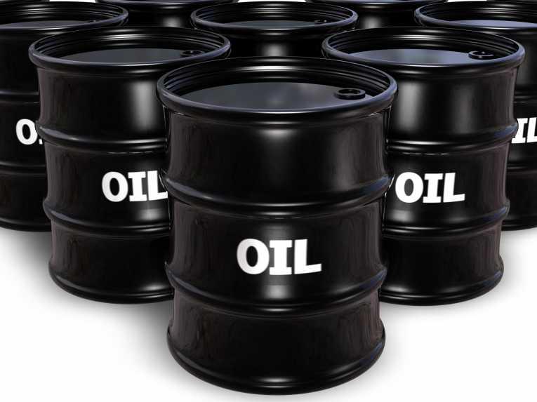 تعرف علي سبب انخفاض أسعار النفط .
