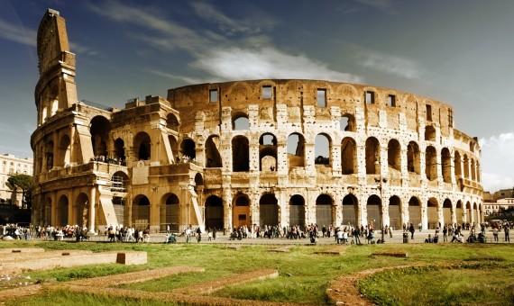 توقعاتٌ بنمو الإقتصاد الإيطالي للعام 2015