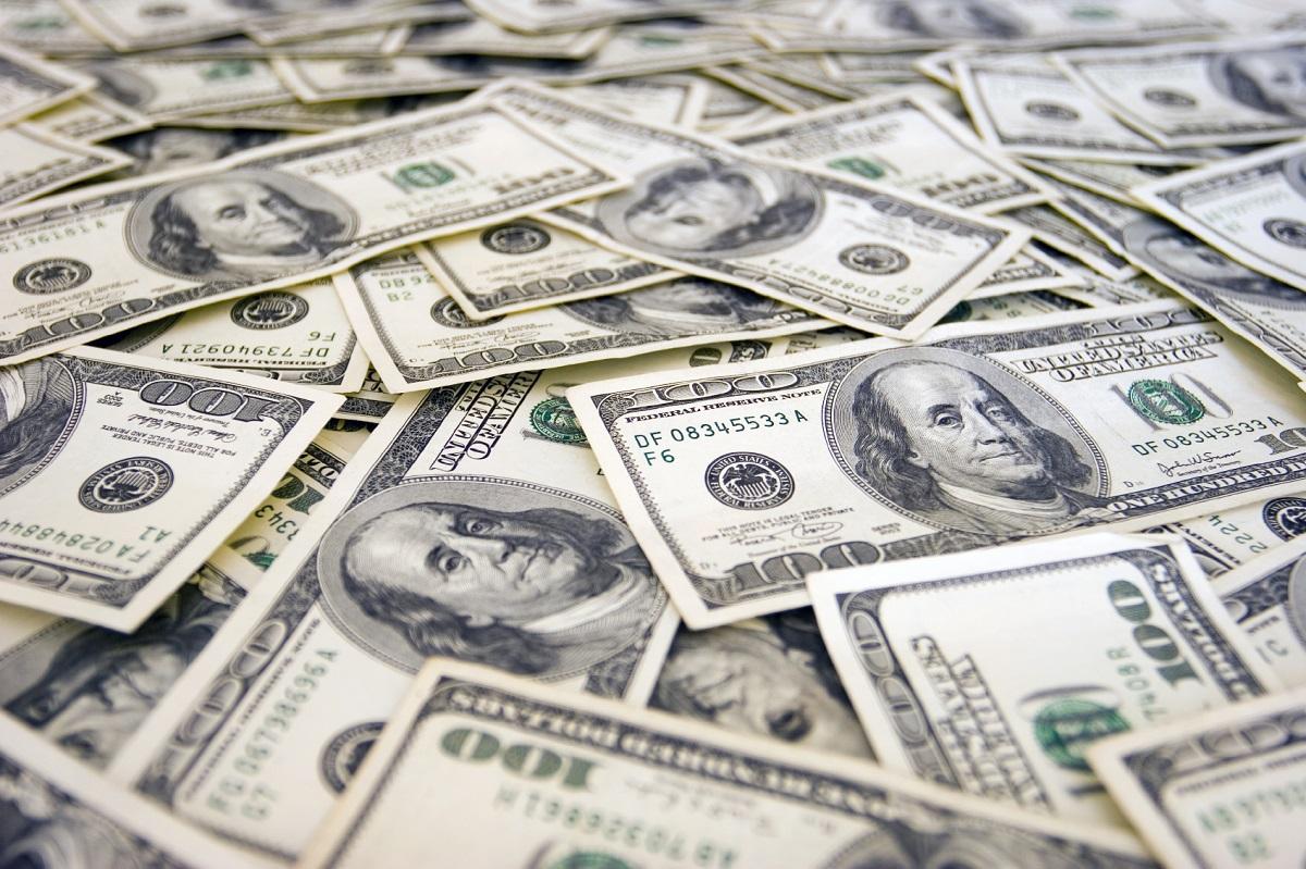 """الدولار يستحوذ علي اهتمامات برامج """"التوك شو"""""""