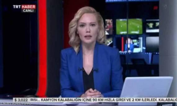 تسجيل فيديو يظهر ردة فعل قارئة بيان الانقلابيين في تركيا