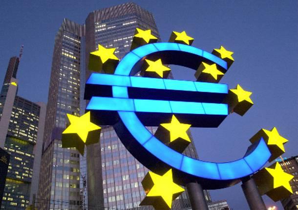 اليورو دولار فى طور تكوين نموذج إيجابى